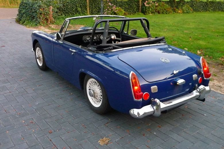 This mg midget with rollbar opinion