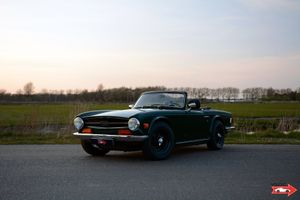 1971 Triumph TR6  - great looking car!