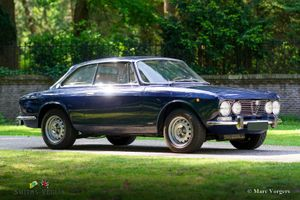 1972 Alfa Romeo 2000  - GTV with two Dellorto carburetors