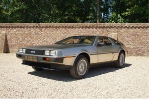 1981 DMC DMC-12  - DeLorean