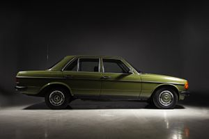 1982 Mercedes-Benz 300 TD  - MERCEDES-BENZ 300 D (W123) 88 HP 1982.