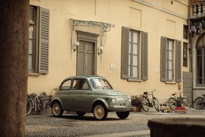 Adrien Brody stars in Fiat 500 60th anniversary film