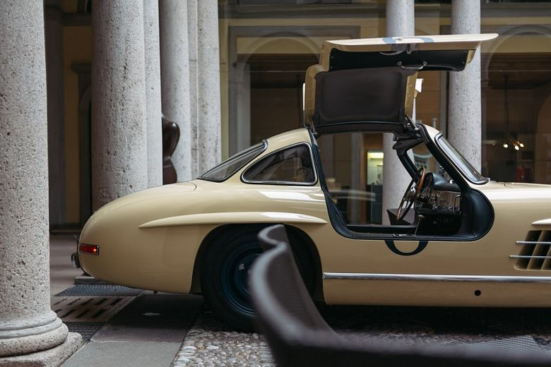 It Raced And Then Almost Rotted Away In Cuba Until A 22-Year-Long Process Brought This Gullwing Back To Life