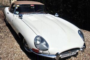 JAGUAR Type E roadster - 1962