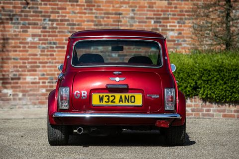 Jay Kay's Mini Cooper Sport Comes Equipped With Some Very Rock-N-Roll Features