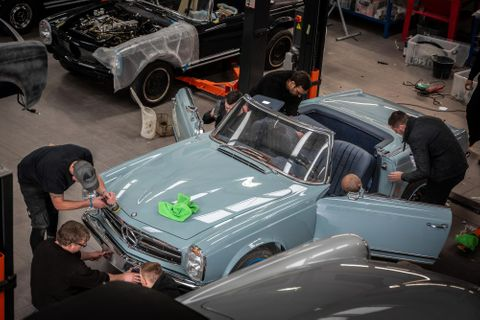 Mercedes-Benz World Takes In Perfect Restored SL Pagoda For Display