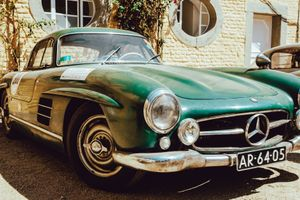 Perfect Patina: Mercedes-Benz 300SL Gullwing Stands Out Among Concours Queens