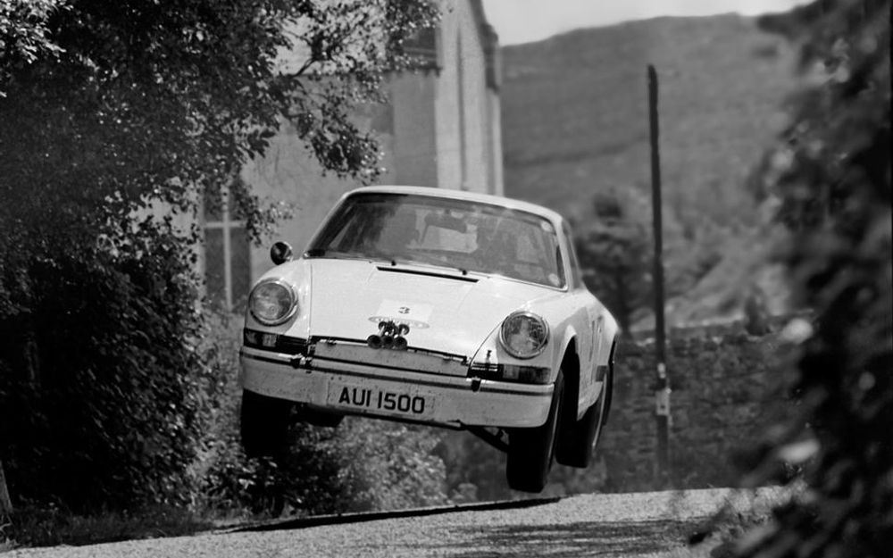 Porsche 911 2 7 Carrera Rs Lightweight Rally Car Up For Sale Article Selected By Artebellum