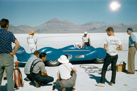 Renault celebrates Bonneville history and sets new record