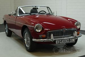 MG B cabriolet 1977 overdrive, Damask Red