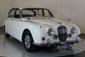 Jaguar MK2 1968 Old English White Overdrive