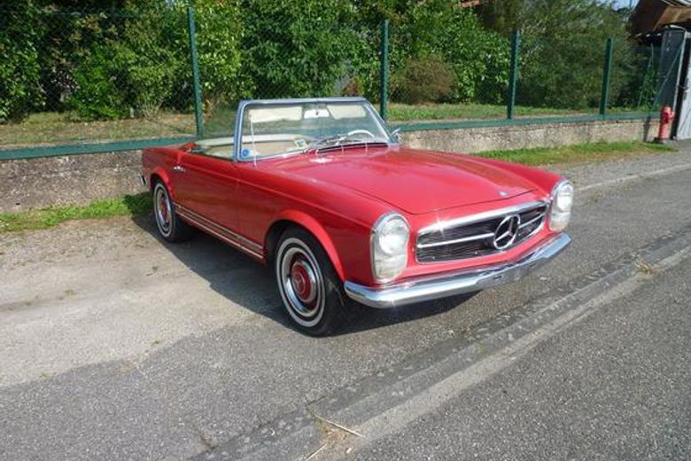 mercedes 230 sl rouge voiture de collection vendre. Black Bedroom Furniture Sets. Home Design Ideas