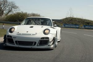 Shaking down a Porsche GT3 R with the Rennsport Collective