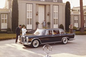 Snapshot, 1960s: The Mercedes-Benz 600 draws a crowd wherever it goes