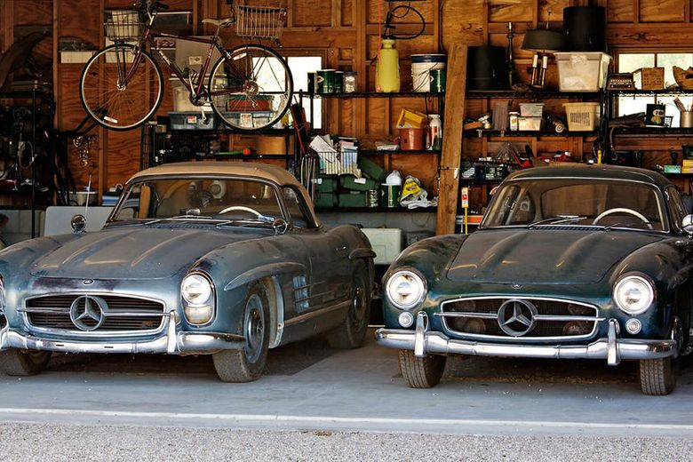 Super-Low mileage Mercedes 300SLs offered at Pebble Beach auction