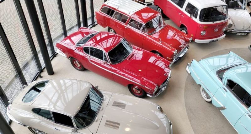 There's still time to bid on these collector cars in the Netherlands