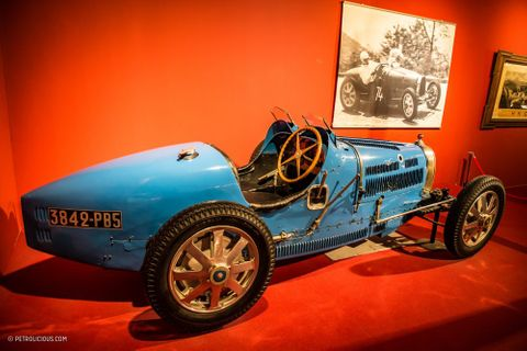 When A Textile Tycoon Went Bankrupt, His Car Collection Was Turned Into This Massive Museum